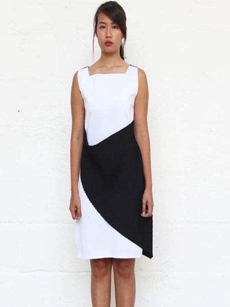 ETHRISHAXJOANNA — LOOK THREE - THE KANGAROO DROP DRESS