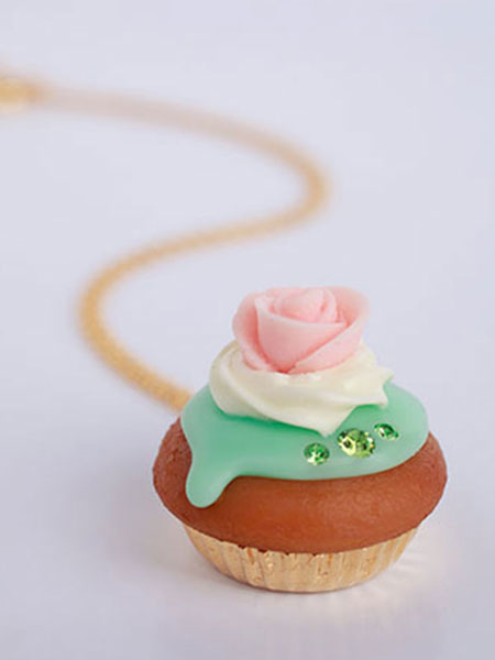 Q-POT - CUPCAKE NECKLACE