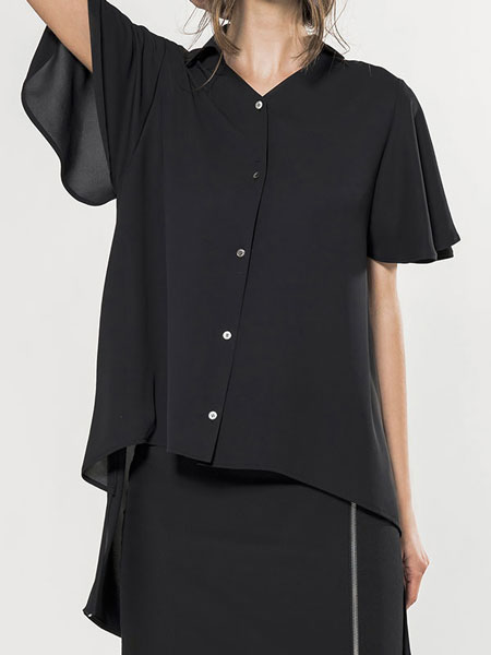 FLARE SLEEVE BLOUSE IN BLACK